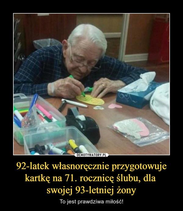 92-latek własnoręcznie przygotowuje kartkę na 71. rocznicę ślubu, dla swojej 93-letniej żony – To jest prawdziwa miłość!