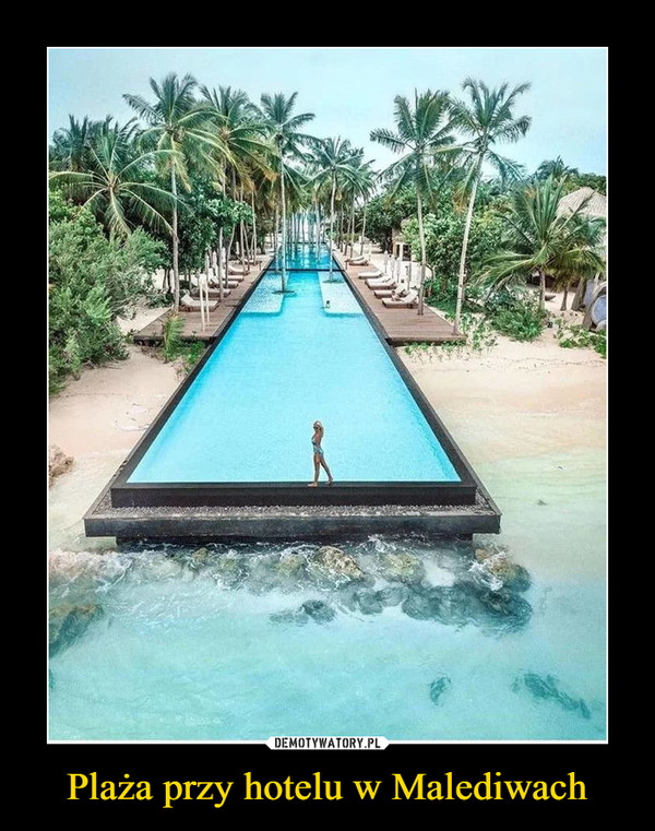Plaża przy hotelu w Malediwach –