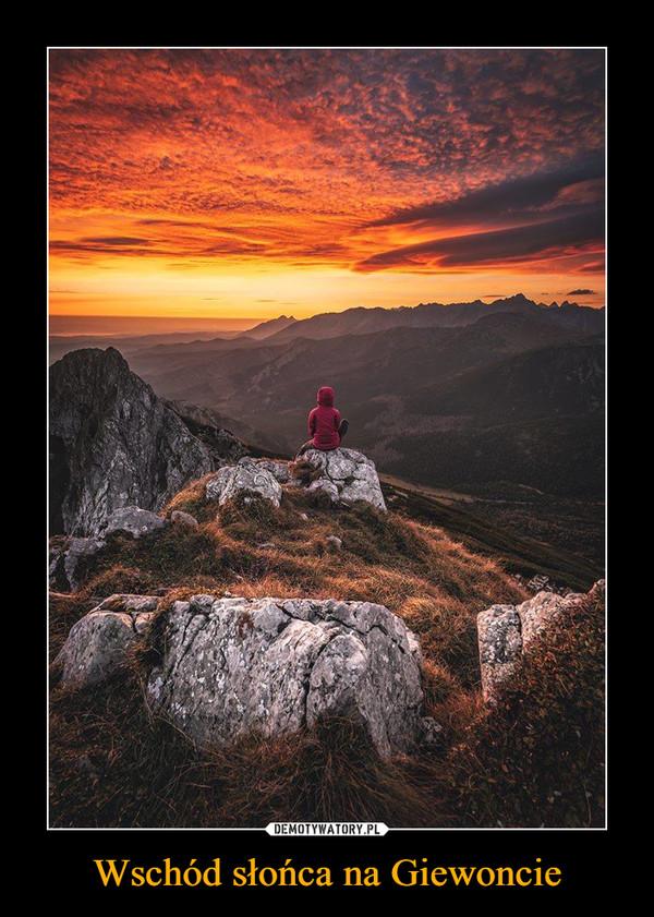 Wschód słońca na Giewoncie –